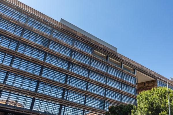 fachada ventanas del edificio castellana norte madrid