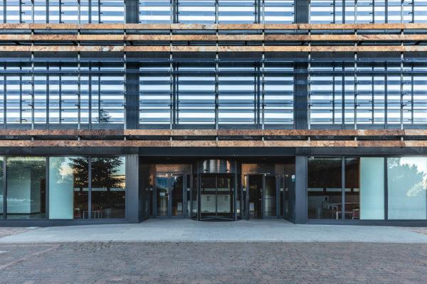 vista entrada edificio castellana norte madrid